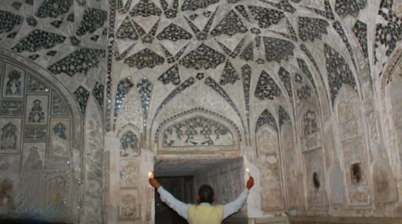 Let's peek inside Taj Mahal's Queen Bathroom | A Secret View What's Inside?